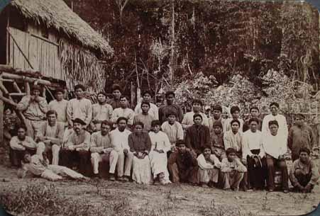 Brasileiros e indígenas Whapichana e Macuxi do Rio Branco