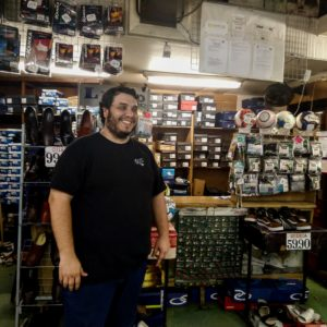 Ricardo Lima, Loja de calçados Costa Nova